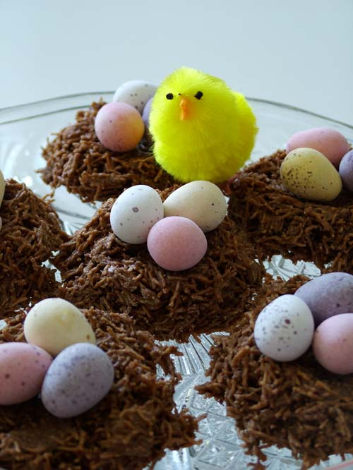 Easter chick and nests (500)