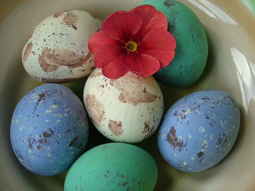 Blown eggs in bowl (500)